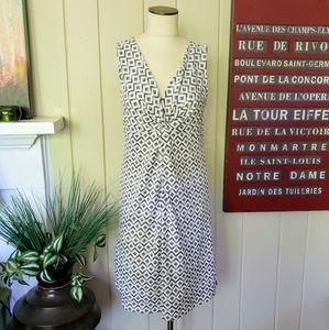 Eddie Bauer | L gray white diamond pattern dress